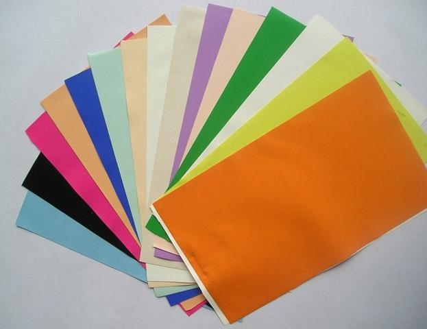 Очень важно выбрать материал для натяжного тканевого потолка