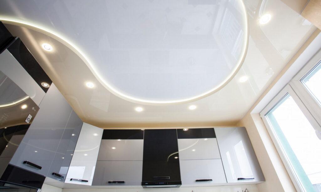 Натяжные потолки на кухне Долинской