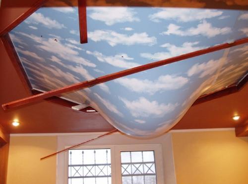 Натяжной потолок в Долинской солить воду